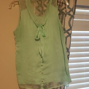 Work tank with bow and lacy back detail